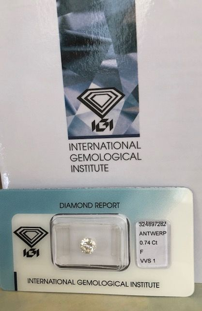 0.74 ct brilliant cut diamond F / VVS1