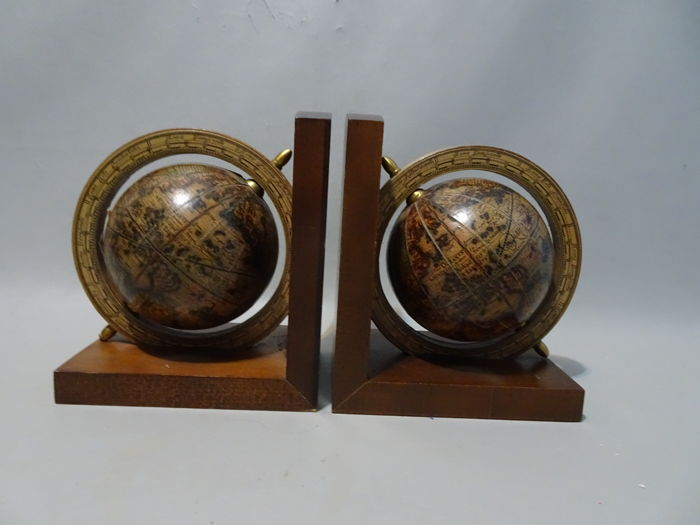 Wooden bookends with globes - 1970s, Italy, wood