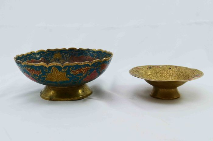 Lot - 2 Serving Bowl - Copper with Enamel - Hand Embossing - Russia - ca. 1950