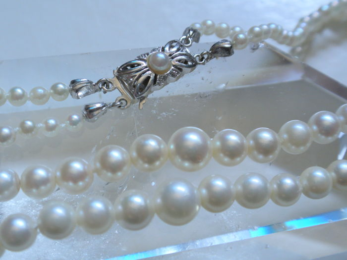 Akoya pearl necklace tapering 3 - 7.25 mm with gold clasp 585