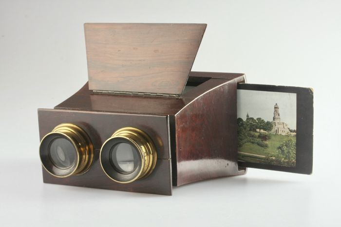 Stereo-hand viewer
