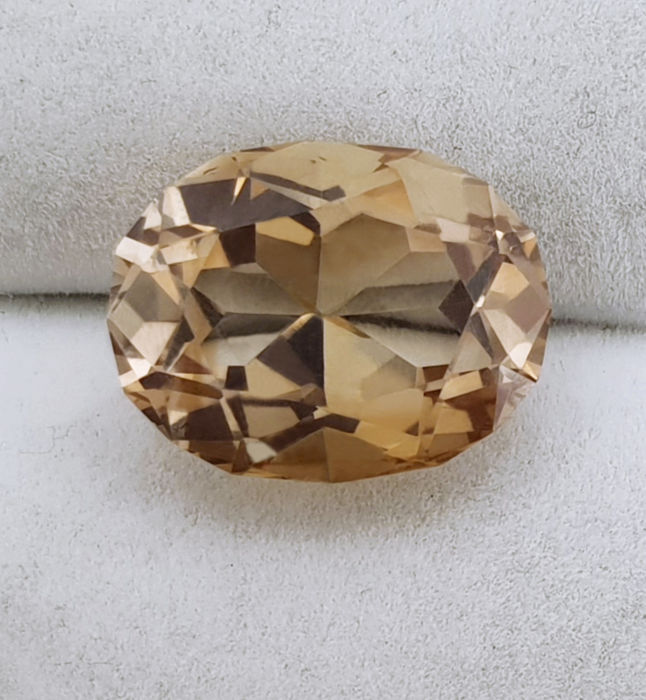 Yellow Topaz – 16.43 ct