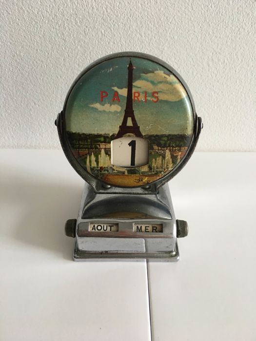 Decorative 'perpetual calendar' in the form of a Paris souvenir from the 50s