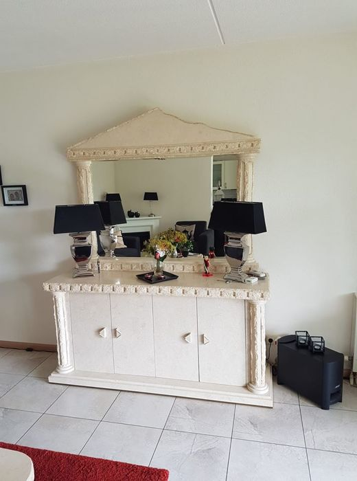 Manhattan style furniture in classic architectural ruin look with decoration of pillars and stone structure: consisting of a sideboard with an upright piece, dining table, display cabinet, coffee table, side table and television cupboard -material combination of resin and pulverized fossil natural stone (6)