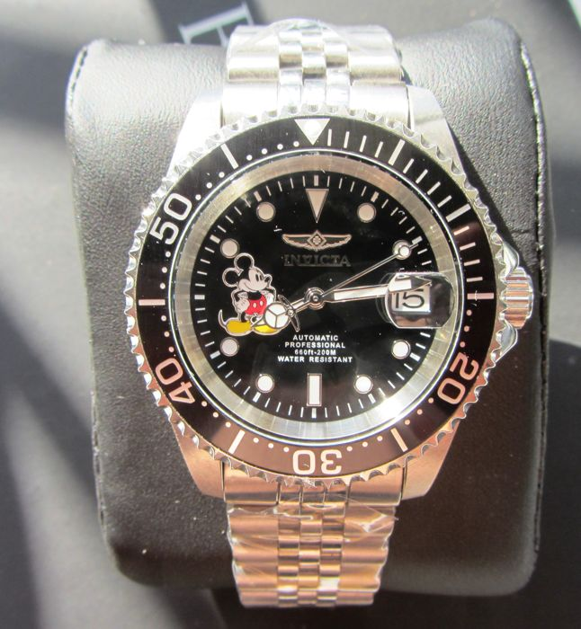 Mickey Mouse #1350 of 3000 manufactured - Limited Edition Automatic Invicta Wistwatch #1350 - Eerste druk
