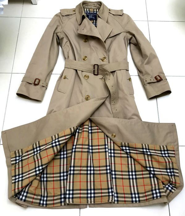 reputable site 13a8e c4a54 Burberry - Trench coat - Catawiki