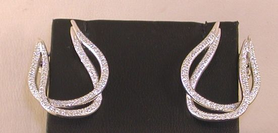 Diamond earrings set with diamond - total: 1.60 ct - 18 kt / 750 white gold