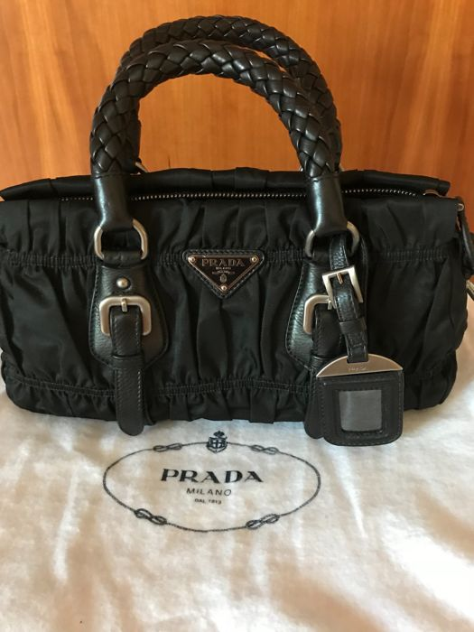 bb1529bd50ec Prada Crossbody bag - Catawiki
