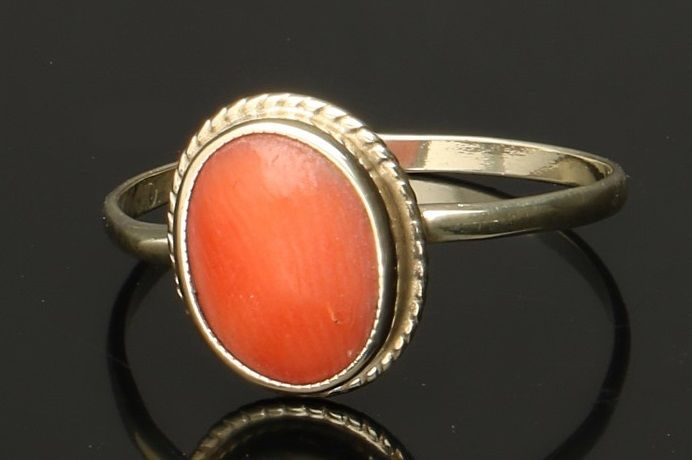 14 kt yellow gold ring with blood coral - ring size 17 mm - Catawiki