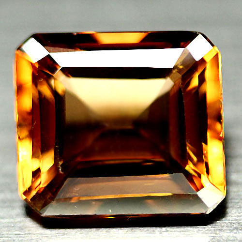 """Champagne"" Topaz - 18.91 Carat - Yellowish Brown - No Reserve"