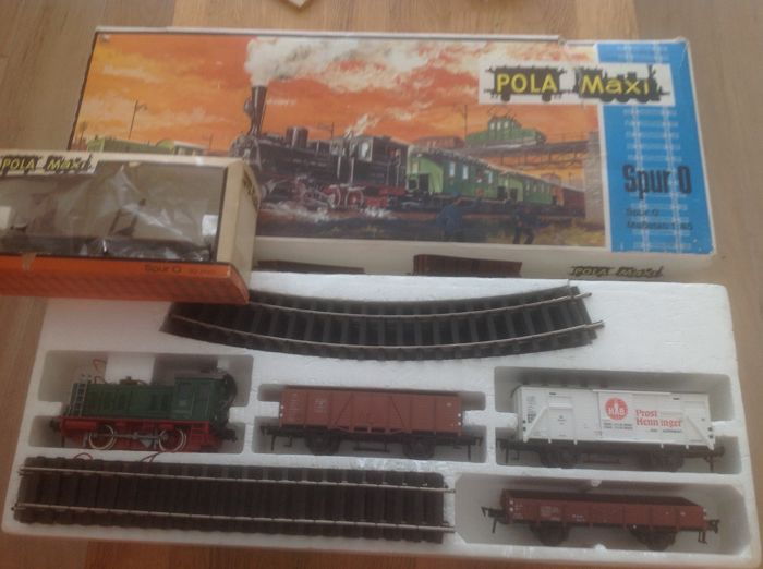 Pola Maxi 0 - Goederenwagon, Treinset - Pola Maxi set with extra freight wagon and transformer
