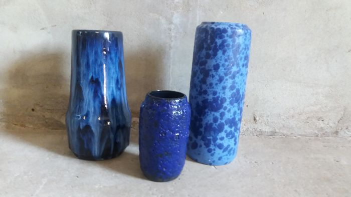 Scheurich ceramic - Oswald Kleudgen - Three blue vases of which in Fat Lava