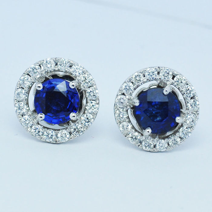 Sapphire  with diamonds earring can separate in 2 pieces , 18 kt white gold