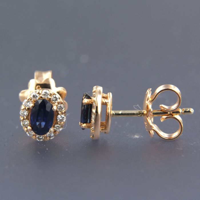 14 kt rose gold rosette stud earrings with sapphire and 28 diamonds of in total approximately 0.22 carat - size 8.0 mm x 6.8 mm