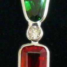 2.28 ct gold pendant with red sapphire, tsavorite and diamonds with gold necklace - no reserve price -