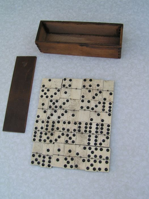 Great antique domino game made of bone, first half 20th century