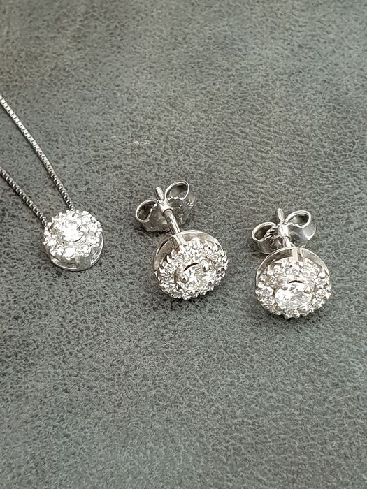 18kt white gold Diamond stud set - Necklace length: 45 cm