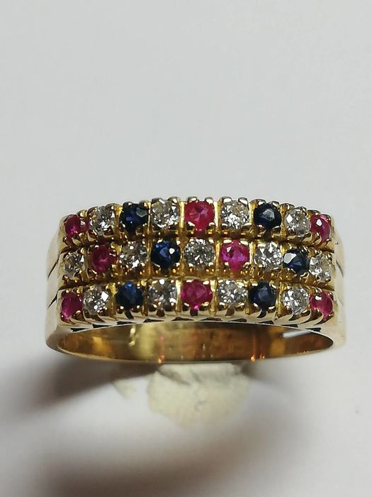 14 kt gold ring, 4.96 g, with diamonds, sapphires and rubies