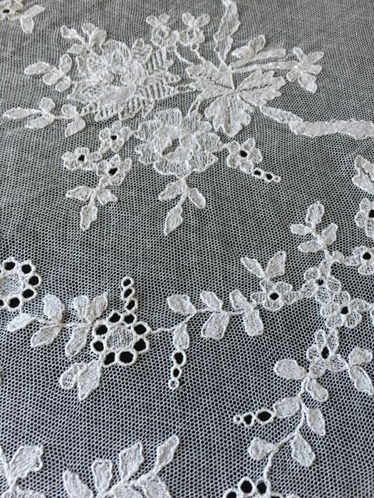Chantilly lace - Canapé - France, circa 1952
