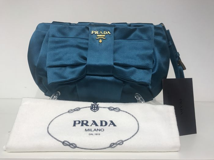 c9bb68a31a Prada Clutch bag - Catawiki