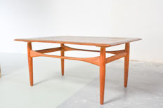Bovenkamp - vintage coffee table
