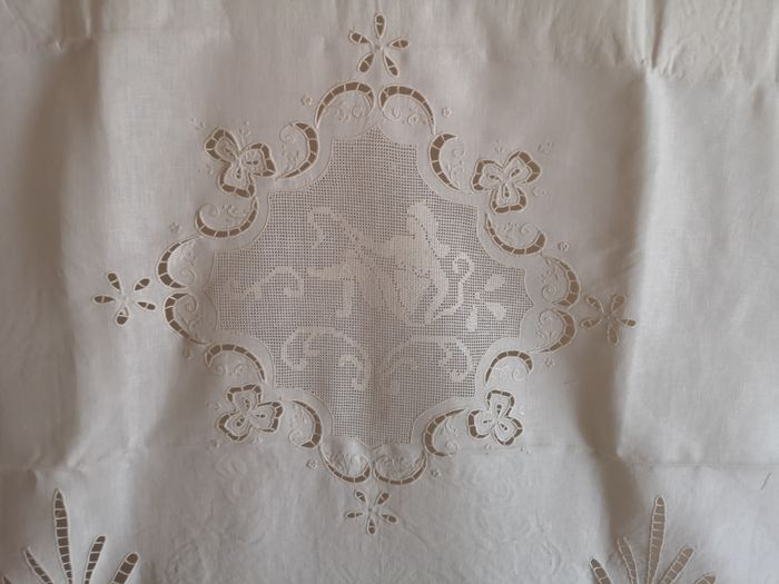 Rich embroidered Bellavia linen curtain with cutwork and handmade draw thread - 240 x 310 cm