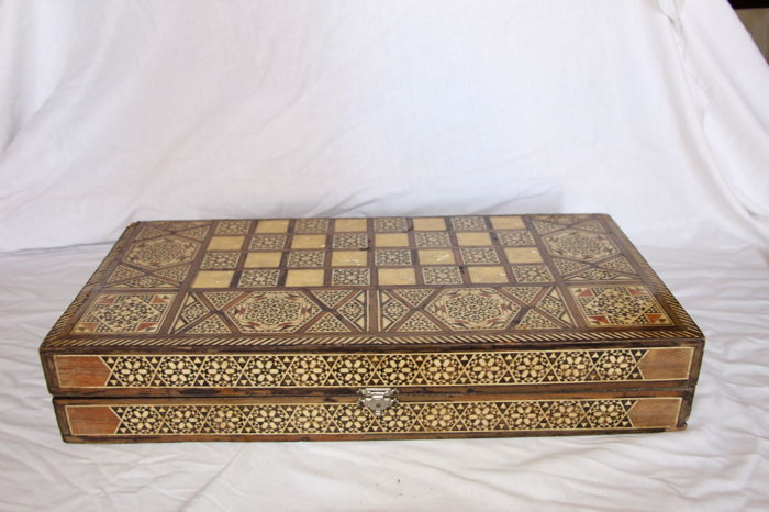 Box of chess, Backgammon and draughts of Syrian inlay with nacre, large size