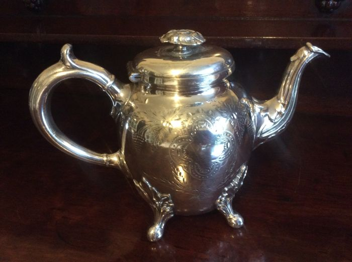 Victorian Silver plated teapot by J. Tyler Sheffield - England - 1836-1869
