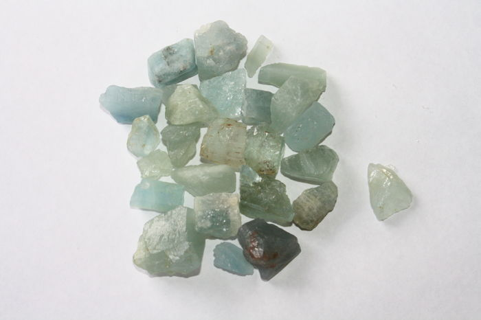 Aquamarine (light blue variety of beryl) Rough - 69,86g - (26)