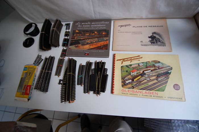 """Fleischmann H0 - 63 - Tracks - of a network plan and the book """"The wonderful world of model trains"""""""