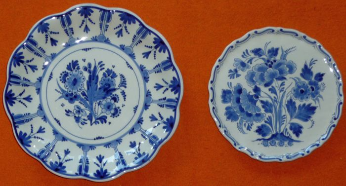De Porceleyne Fles - Two Plates with Blue and White Painted Flowers