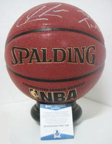 Spalding basketball signed by Paul Pierce of the Celtics, with Beckett certificate