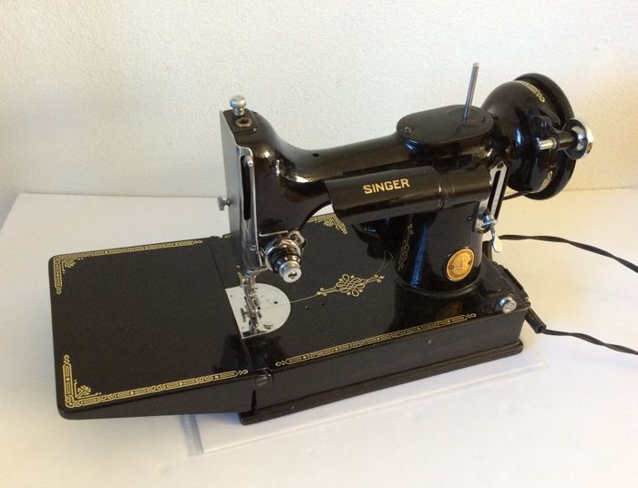 Singer Featherweight Electric Sewing Machine With Case Approx Magnificent Electric Sewing Machine