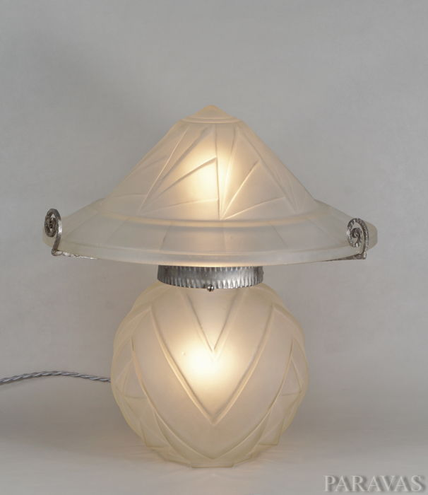 NOVERDY French Art Deco lamp