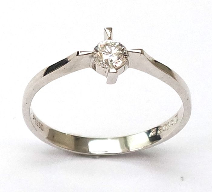 Platinum PT 950 with 0.22 ct Diamond Ring - Ring size M 1/2