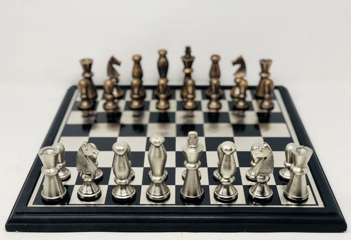 Staunton Metal Space Chess with board