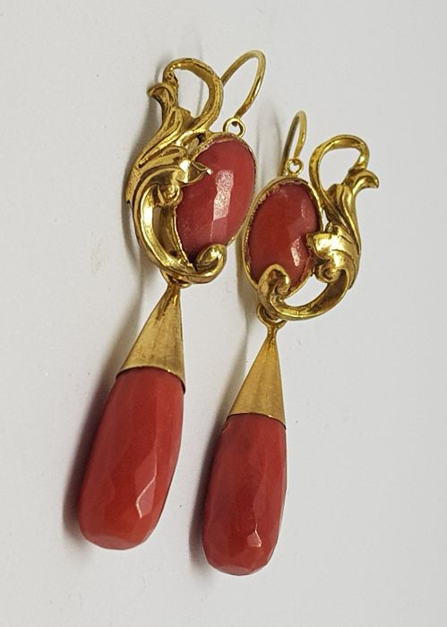 Antique earrings, gold and coral cut Milleluci, Italy, 1920, Art Nouveau