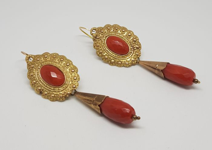 Antique earrings. Gold and coral cut Milleluci, Italy, 1940.
