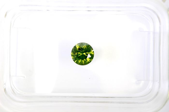 Fancy INTENSE Yellowish Green Diamond - 0.29 ct - SI2 - (Colour Treated)