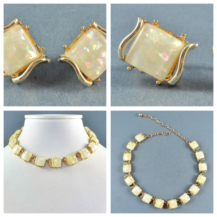 1950's Coro necklace and earrings in unusual design