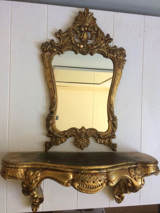 Antieke Spiegel Met Console.Graceful Mirror And Console Decorated With Rocailles And Leaf