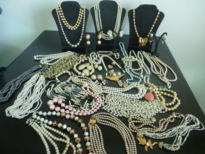 Job Lot -Pearls only lot 1940-1980 many necklaces and earrings 44 pieces
