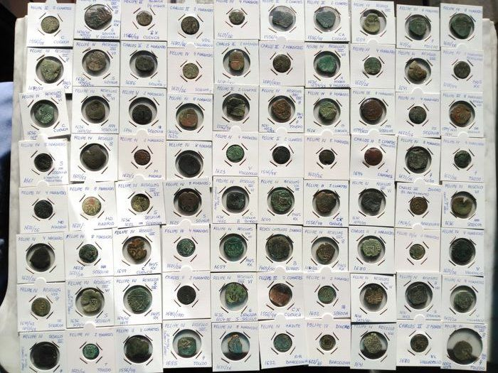 Spanje - cuartos/ maravedis/ dinero lot 80 coins Austrias . AE classified in their covers