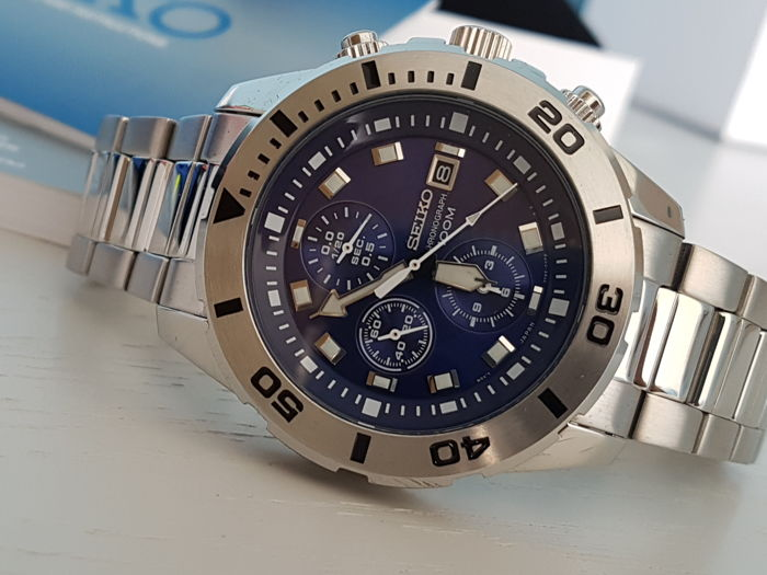 Seiko - Sport Chrono blue dial solid stainless steel band  - Heren - 2018