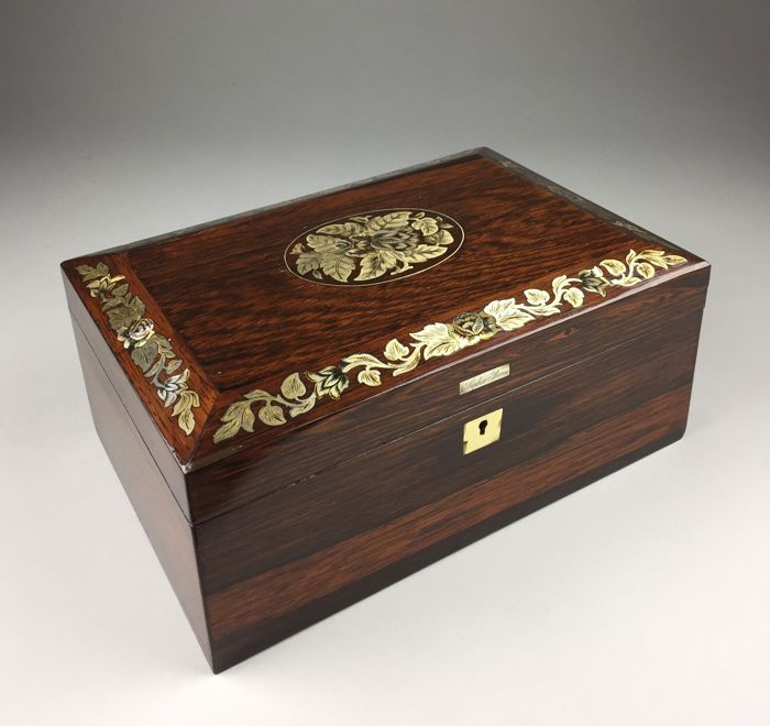 Rosewood box with inlay - England - ca. 1900