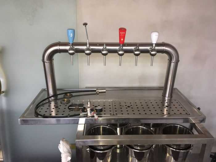 Beer - Tap installation professional equipment: taps, stainless steel drip, manometer / pressure gauge, connections, ...