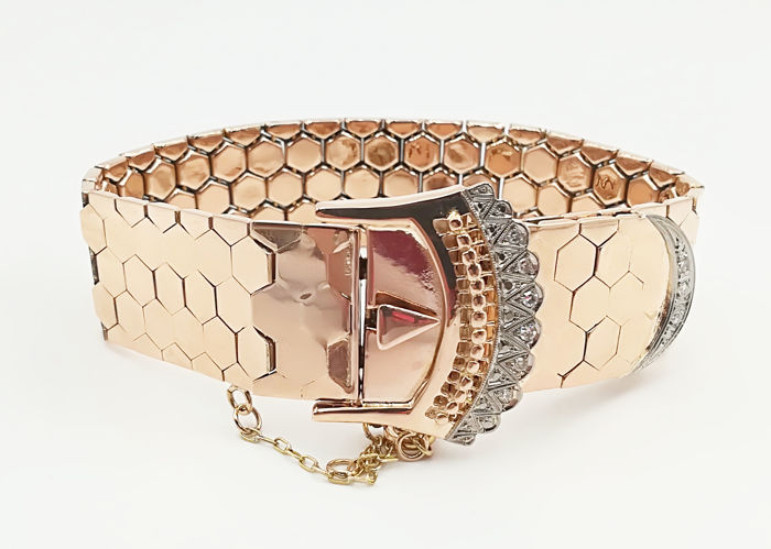 Bracelet from the 40s in 18 kt rose gold with diamonds in brilliant cut of 0.09 ct COLOUR G VS Length 20.5 cm Width 2 cm Weight 51.99 g