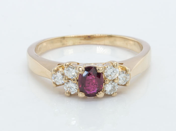 ½ ct plus - Diamond & fine ruby ring in 14kt gold - No reserve price