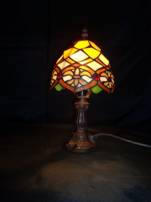 Rare Vintage Floral Stained Glass Table Lamp Tiffany Style