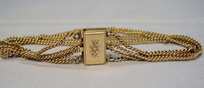 Antique gold four-row Victorian strap with hand-engraving